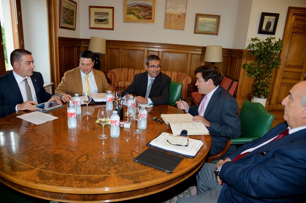 Reunión UNAC y MAGRAMA julio 2014