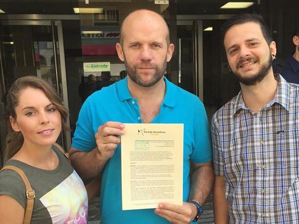 PACMA denuncia a la Diputación por 'hacinar a las rehalas' en Intercaza